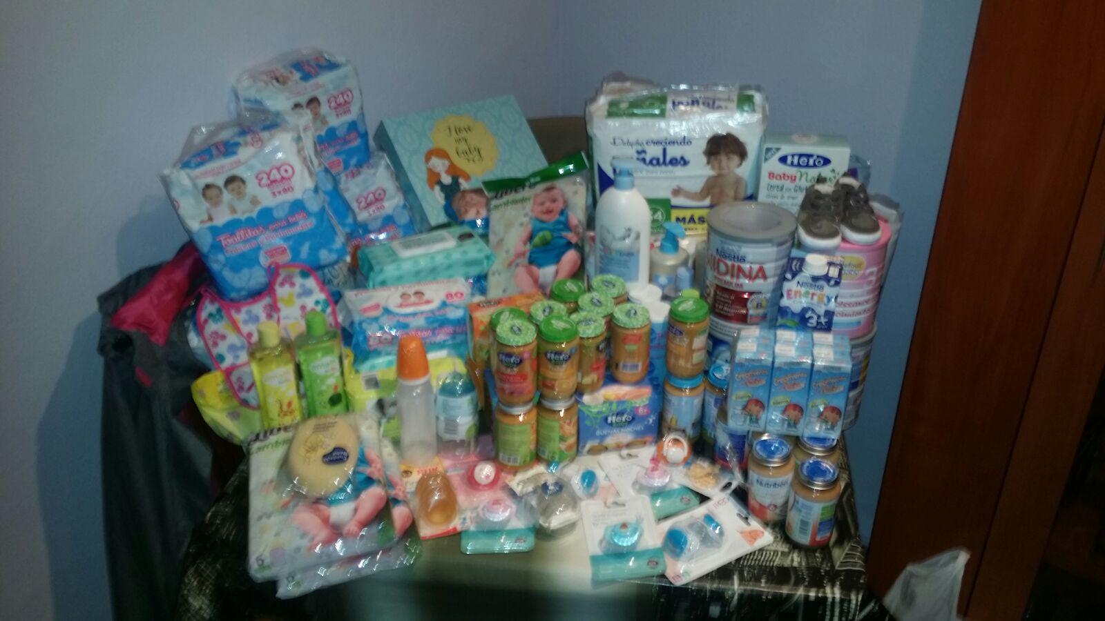 Lote de productos donados po Q CORRA LA TINTA para nuestros peques